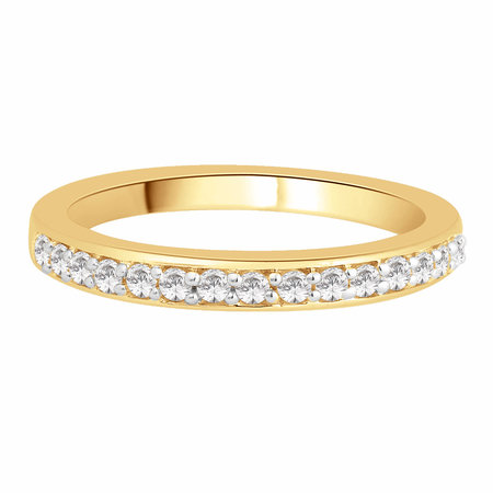 Channel claw set round brilliant cut diamonds set in yellow gold\\n\\n11/03/2016 17:00