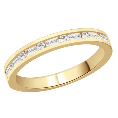 Channel set round and baguette cut diamonds set in a yellow gold ring\\n\\n11/03/2016 16:59