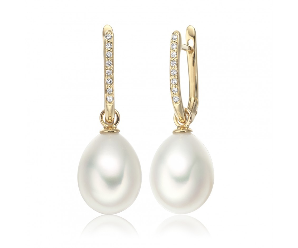 Half_Hoop_Pearl_Drop_Earrings